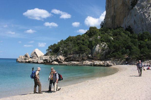 Pause Am Strand Auf Der Wanderreise Sardinien