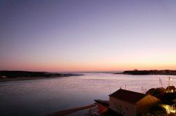 Mündung Rio Mira bei Sonnenuntergang