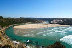 Flussmündung am Atlantik auf der Wanderreise Portugal
