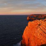 geführte Wanderreise Portugal Steilküste bei Sonnenuntergang