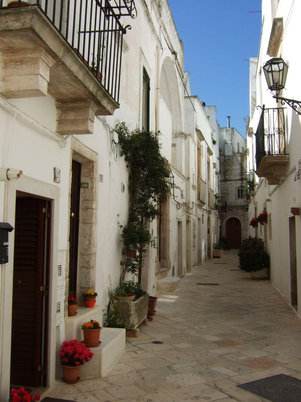 Gasse In Locorotondo Apulien