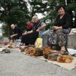 Hühner Verkäuferinnen auf dem Markt