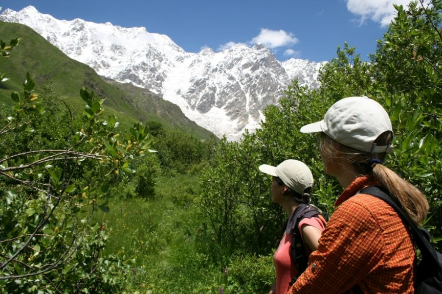 Wanderreise Georgien Blick auf den Schchara höchster Berg Georgiens