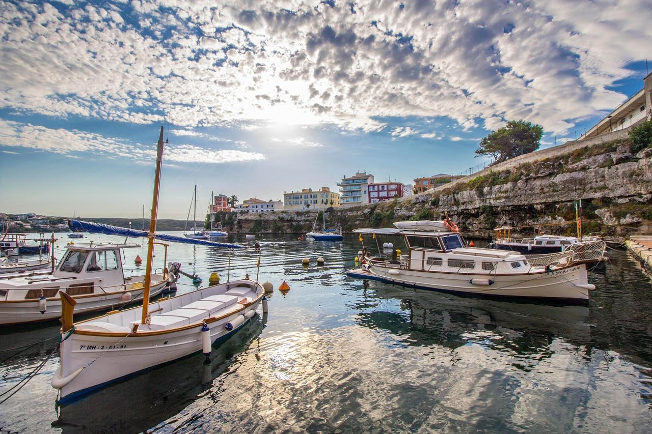 Wanderreise Menorca Boote