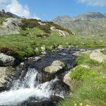 geführte Wanderreise Pyrenäen Gebirgsbach