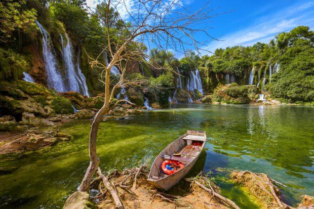 Wasserfall, Bosnien - © Nikolai Sorokin / Fotolia.com