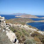 Wanderreise Griechenland Berg mit Blick auf das Meer
