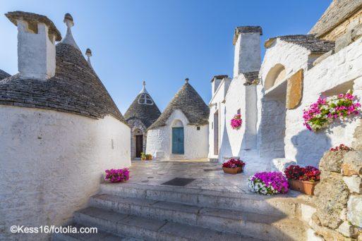 geführte Wanderreise Apulien Trulli Häuser