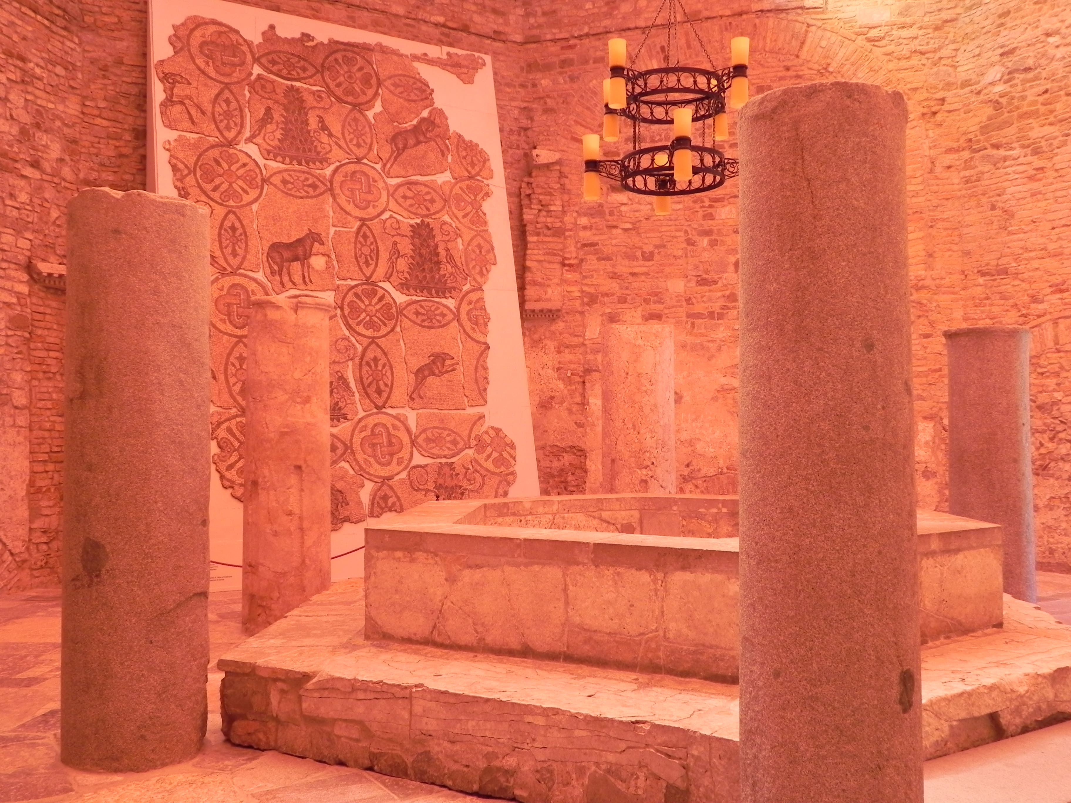 Krypta In Der Basilika Aquileia