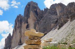 Steinhaufen vor den Drei Zinnen