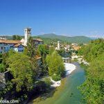 Altstadt von Cividale am Fluss Natisone