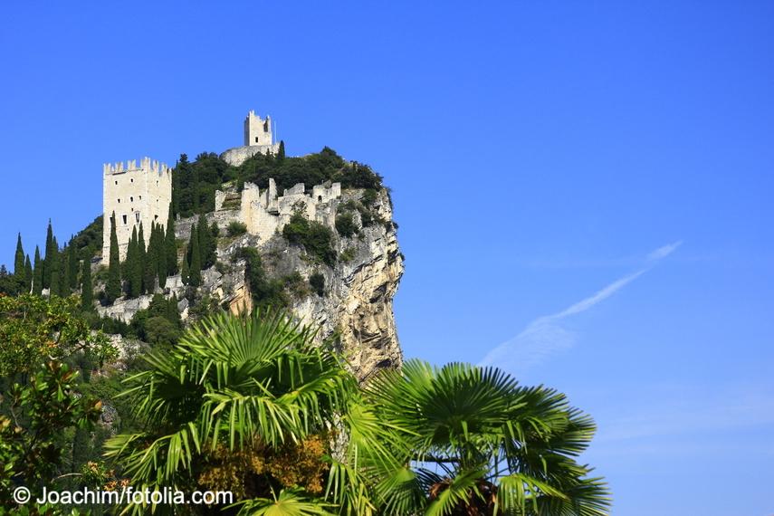 Burg Arco Nördlich Vom Gardasee
