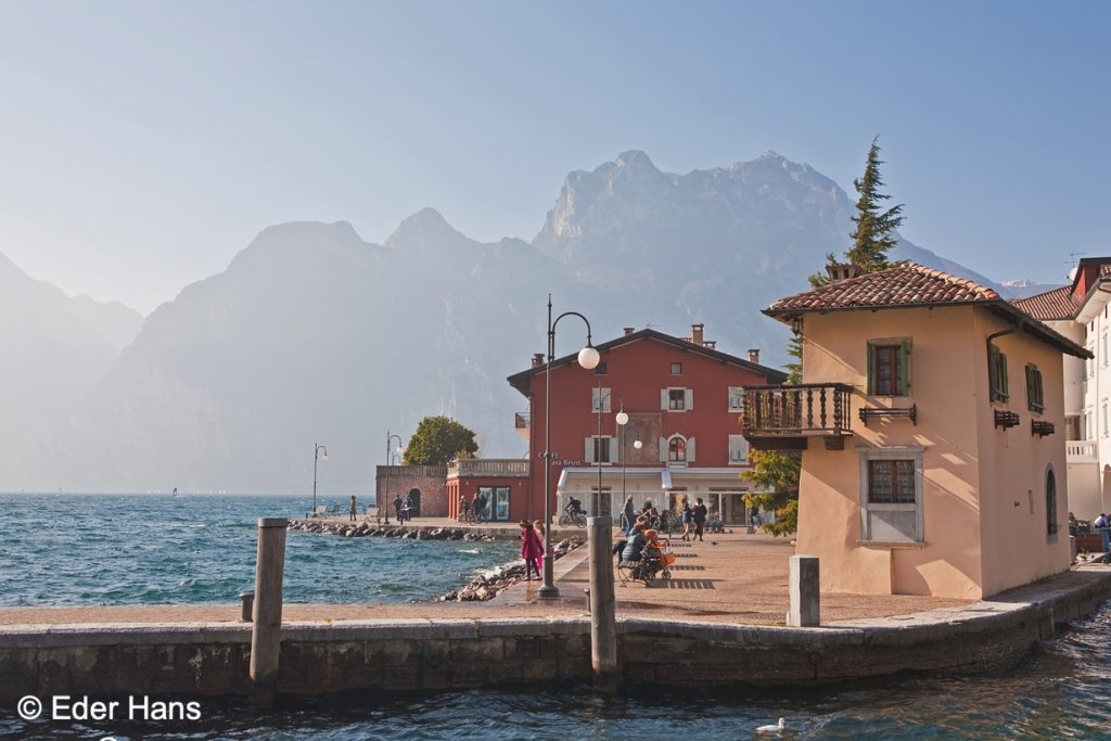 alter Hafen in Torbole am Gardasee
