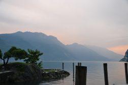 abendlicher Blick auf den Gardasee