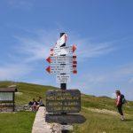 geführte Wanderreise Gardasee Wegweiser auf dem Monte Altissimo di Nago