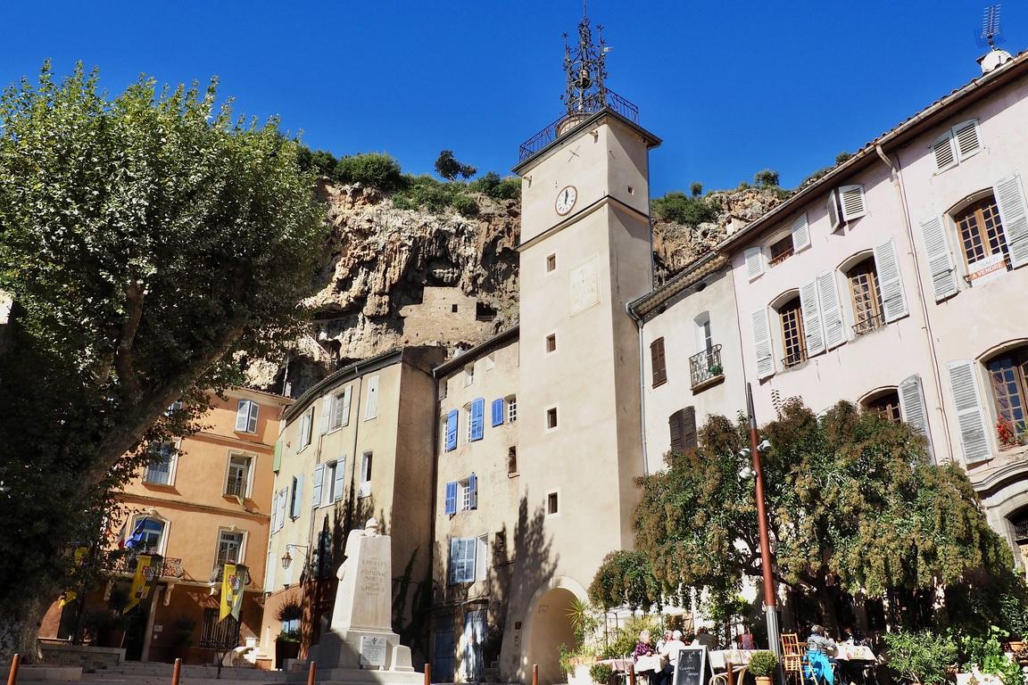 Zentrum Von Cotignac In Der Provence