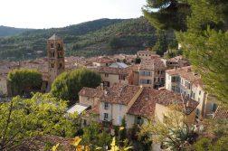 geführte Wanderreise Provence provenzalische Altstadt