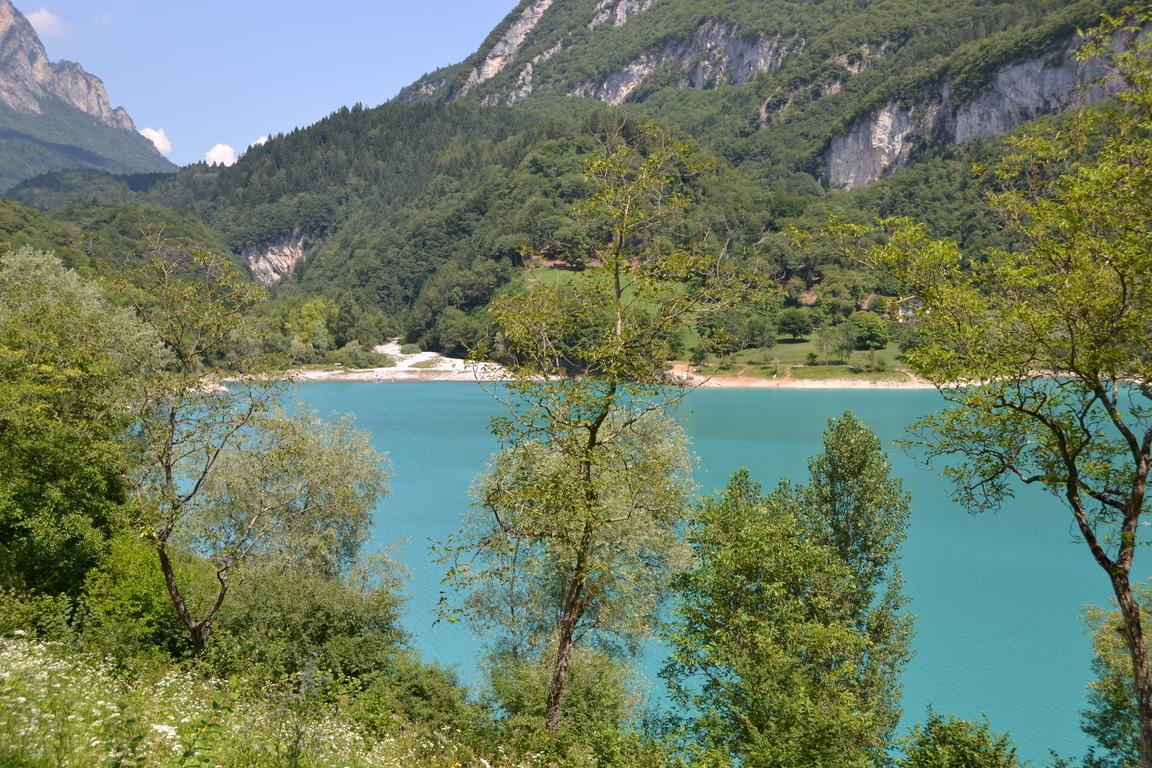 Der Türkisblaue Tennosee Auf Der Wanderreise Gardasee