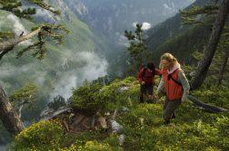 Wanderer in den Bergen von Montenegro