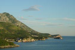 geführte Wanderreise Montenegro Bucht vor Sveti Stefan