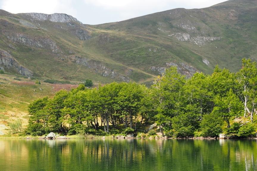 Wanderreise Montenegro Bergsee im Nationalpark Bjelasica