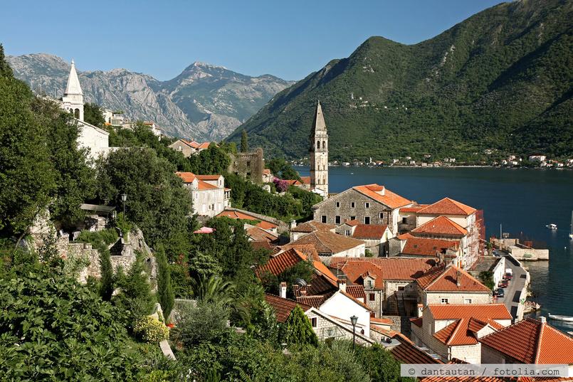 Seefahrer Stadt Perast In Der Bucht Von Kotor