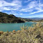geführte Wanderreise Andalusien türkisfarbener See an dem wir wandern