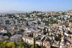 Blick von der Alhambra auf die Altstadt von Granada
