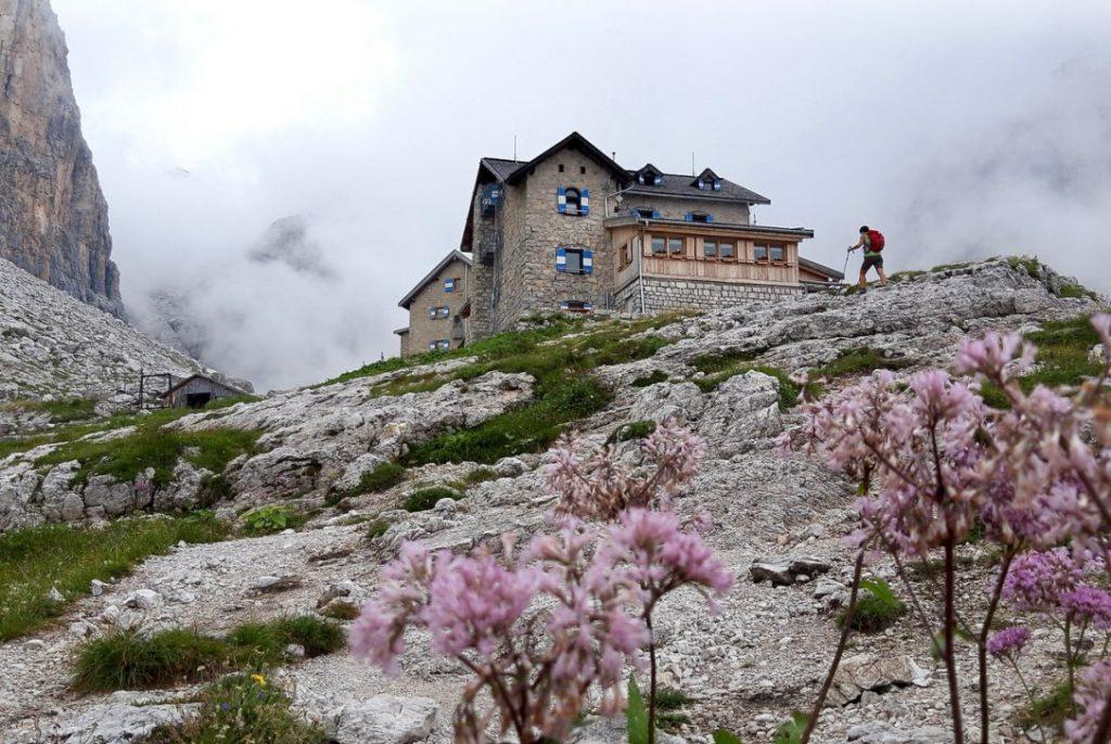 geführte Wanderreise italienische Alpen Tuckethütte