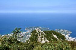 Wanderreise Ischia Blick vom Epomeo auf die Küste