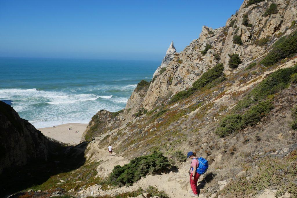 geführte Wanderreise Portugal Abstieg zum Strand
