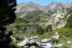 geführte Wanderreise Pyrenäen Bergsee