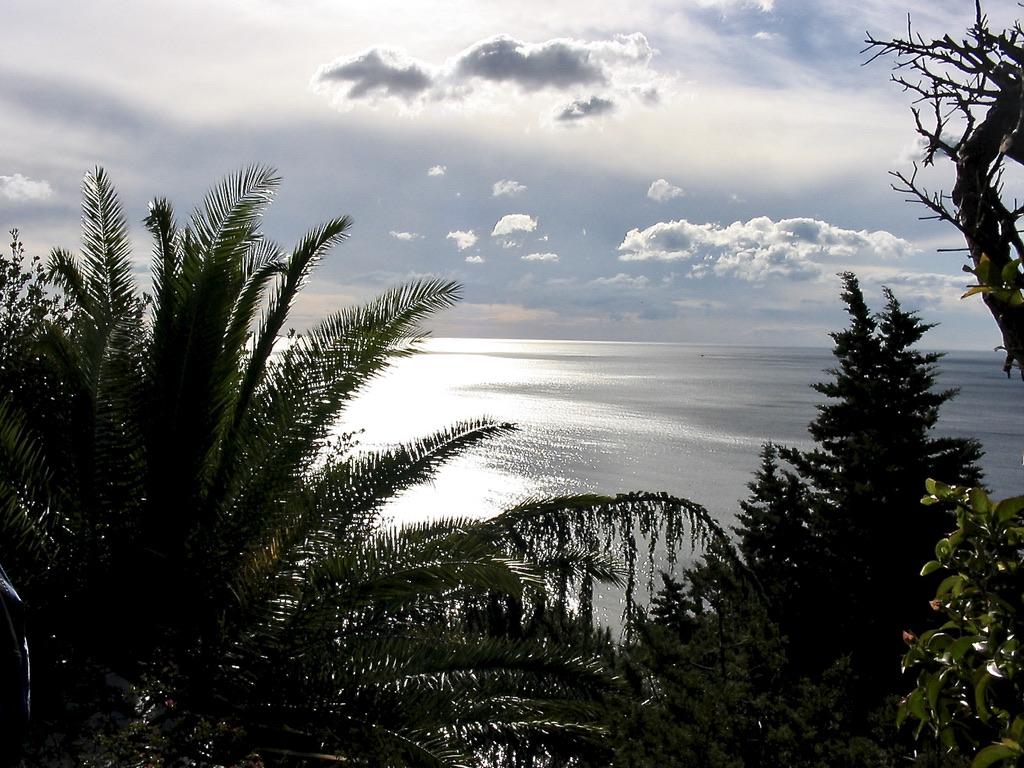 geführte Wanderreise Sardinien abendlicher Blick auf das Meer