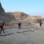 Wanderreise Jordanien Wandergruppe durch Felslandschaften