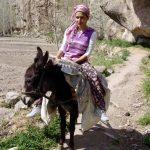 Wanderreise Kappadokien ein Mädchen auf dem Esel