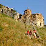 Wanderreise Albanien Wanderung zur Kirche in Berat