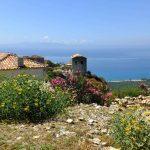 Blick über die albanische Küste bis Griechenland